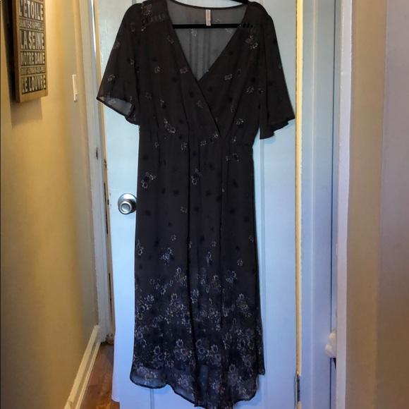 Xhilaration Dresses & Skirts - Xhiliration bohemian floral dress size M